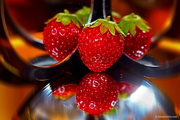 Lost In Reflections: Strawberry | Photography